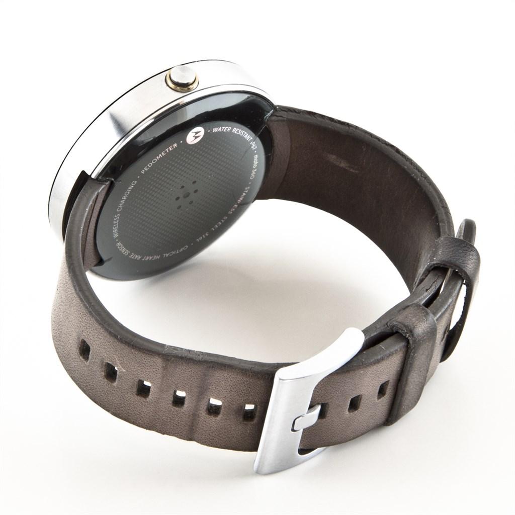 motorola moto 360 smartwatch grau helles edelstahlgeh use defekt ebay. Black Bedroom Furniture Sets. Home Design Ideas